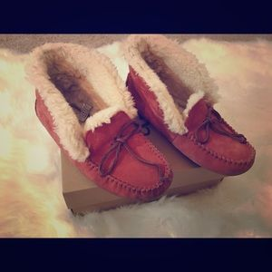 Ugg slippers great condition